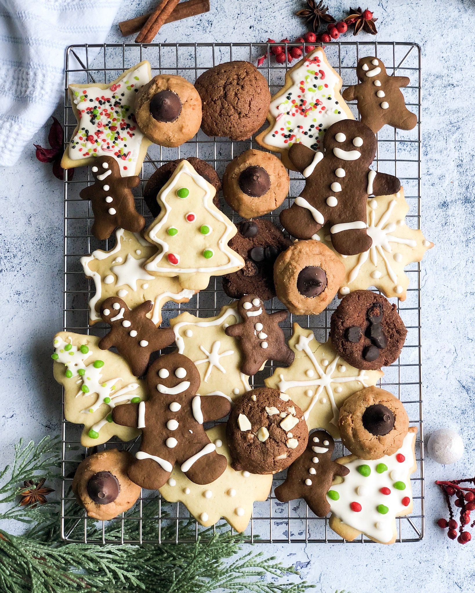 20 Healthy & Easy Christmas Cookies from paleo to vegan to classic! This is a round-up of my own Banana Diaries recipes to some of my favorite bloggers'!