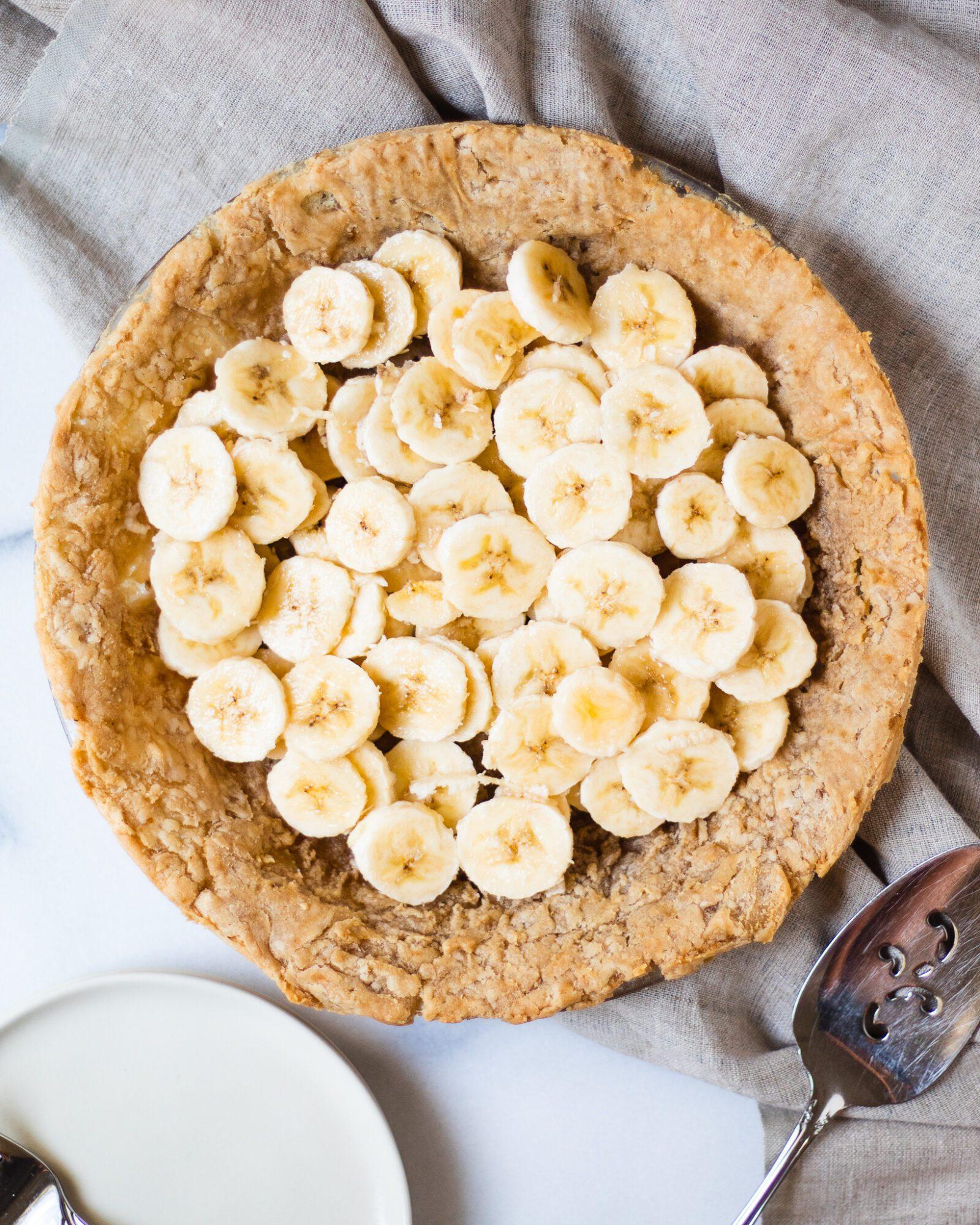 banana coins in pie crust