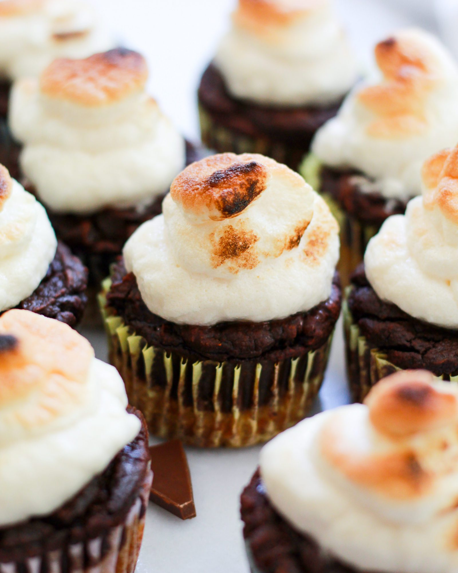 marshmallow frosting on s'mores cupcakes