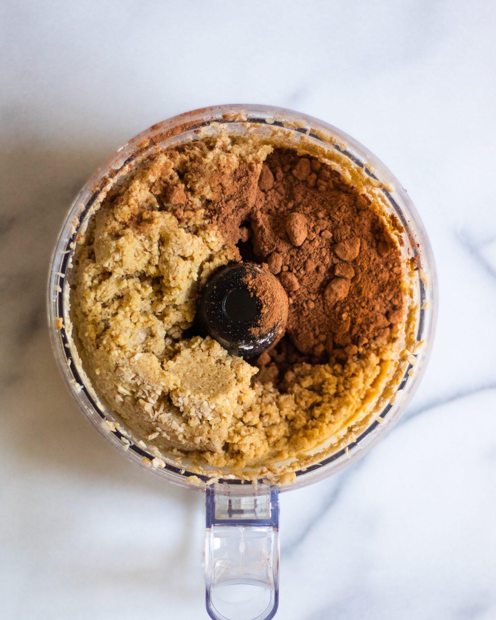 vegan chocolate pie filling before blending