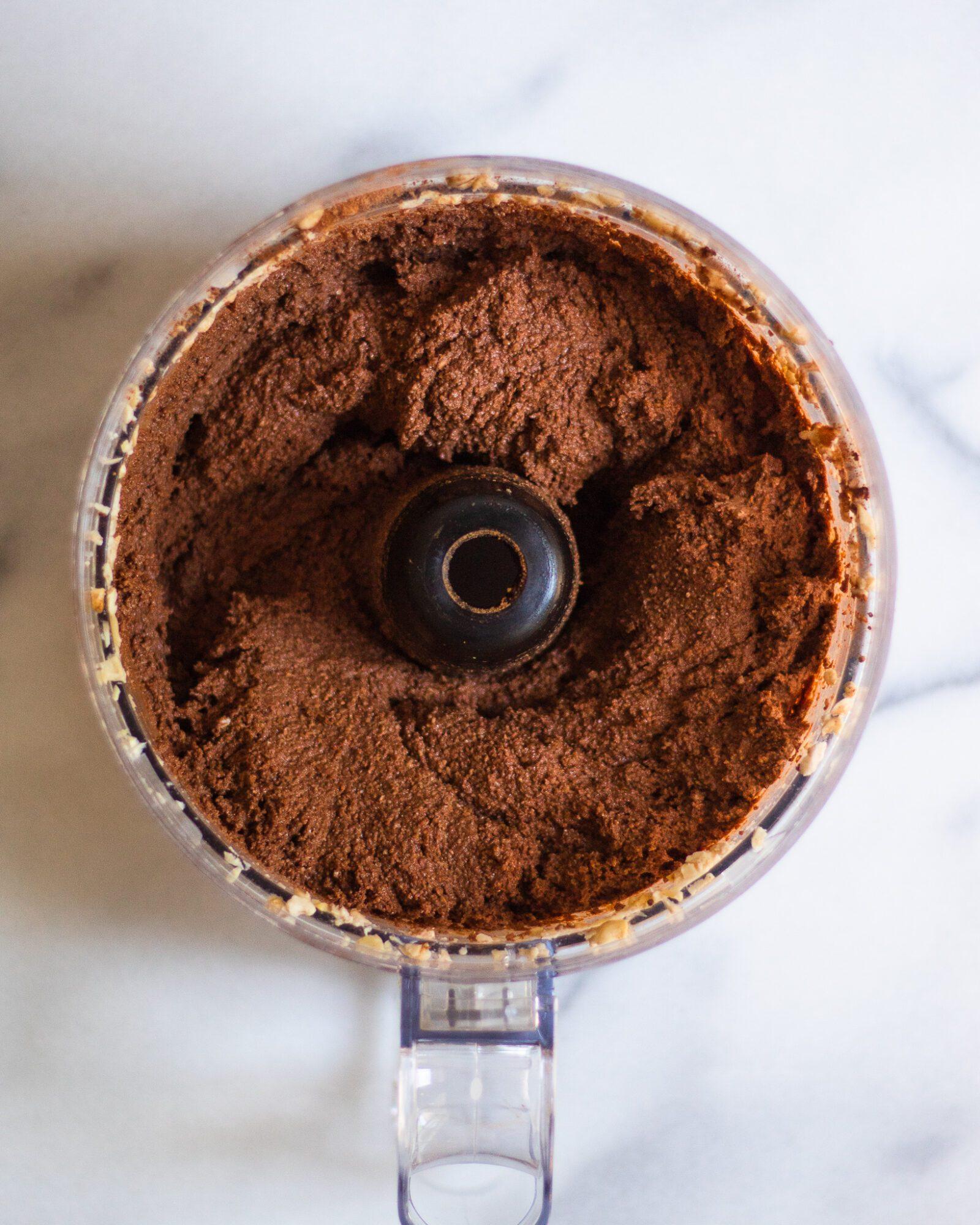 vegan chocolate pie filling after blending