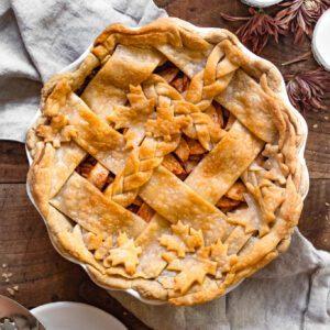 apple pie on wooden table