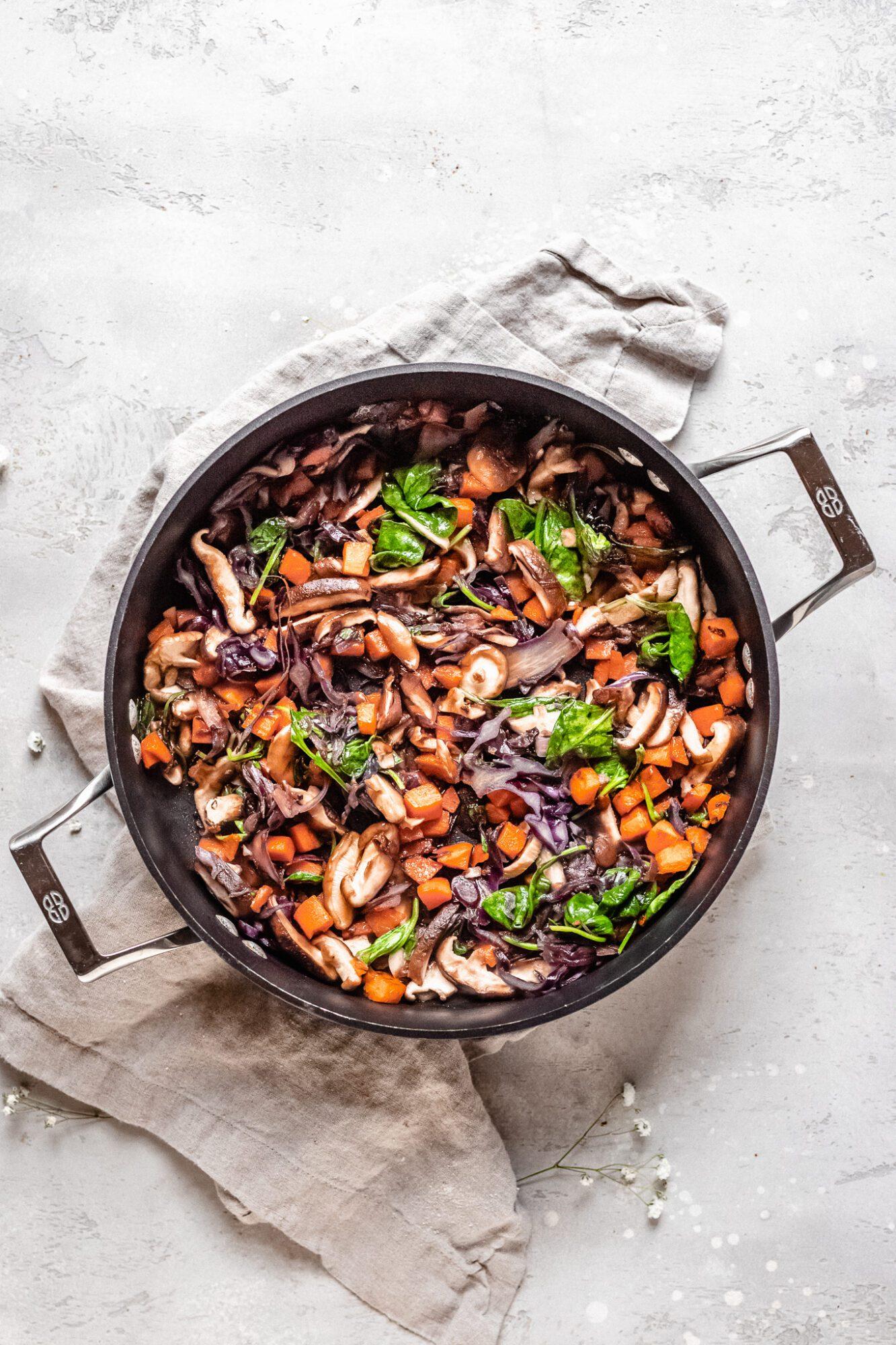 skillet of stir fry veggies