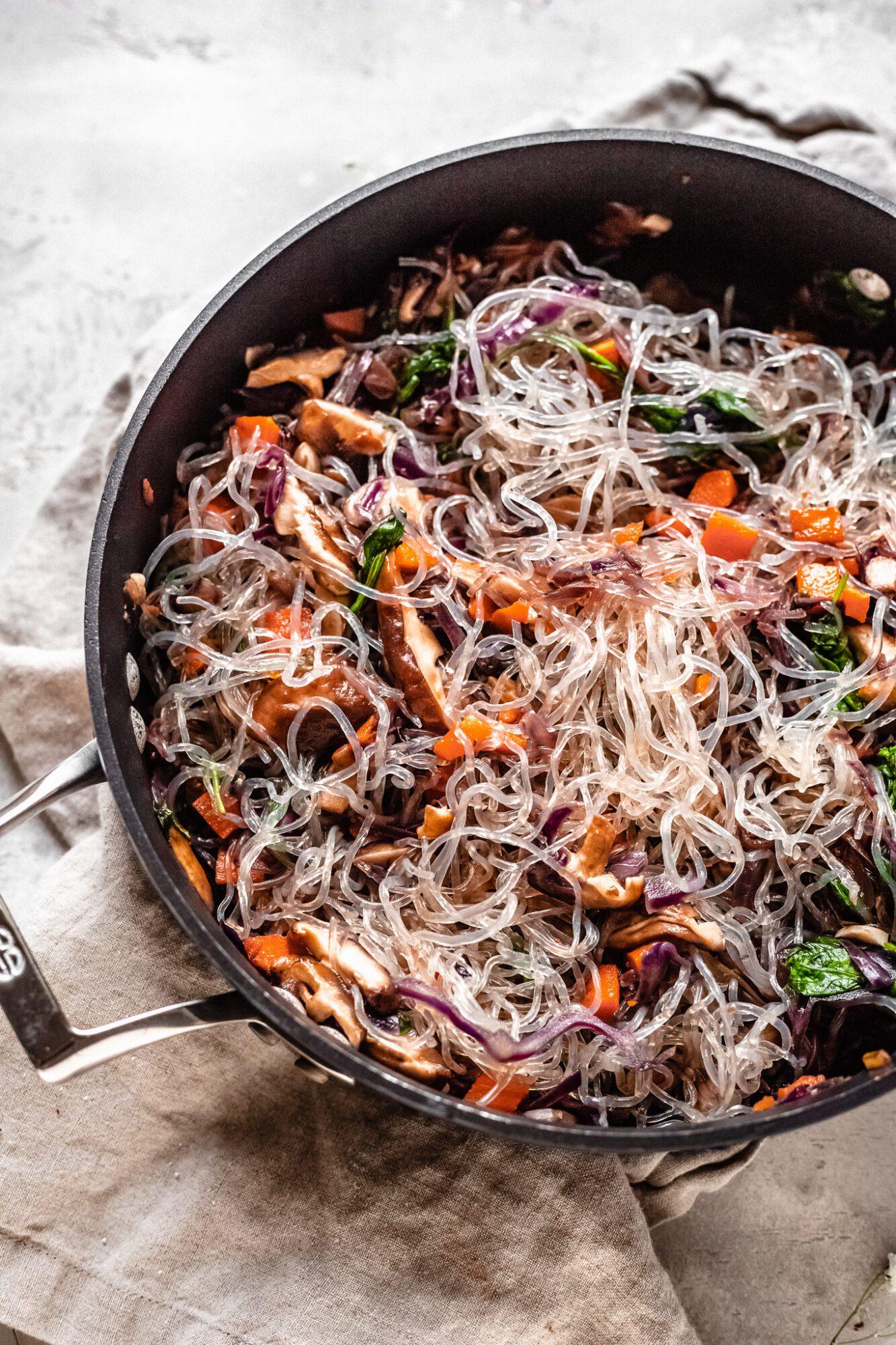 kelp noodles in stir fry veggies