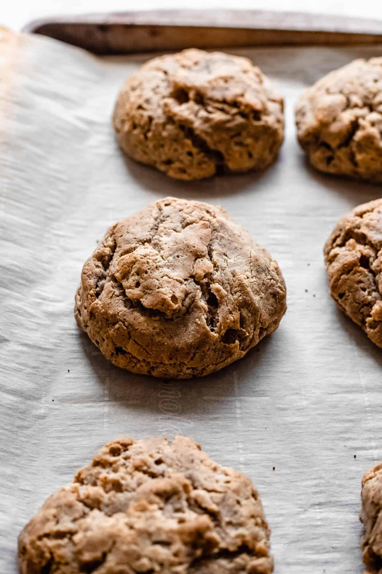 baked vegan biscuits