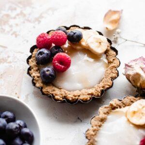 single mini fruit tart