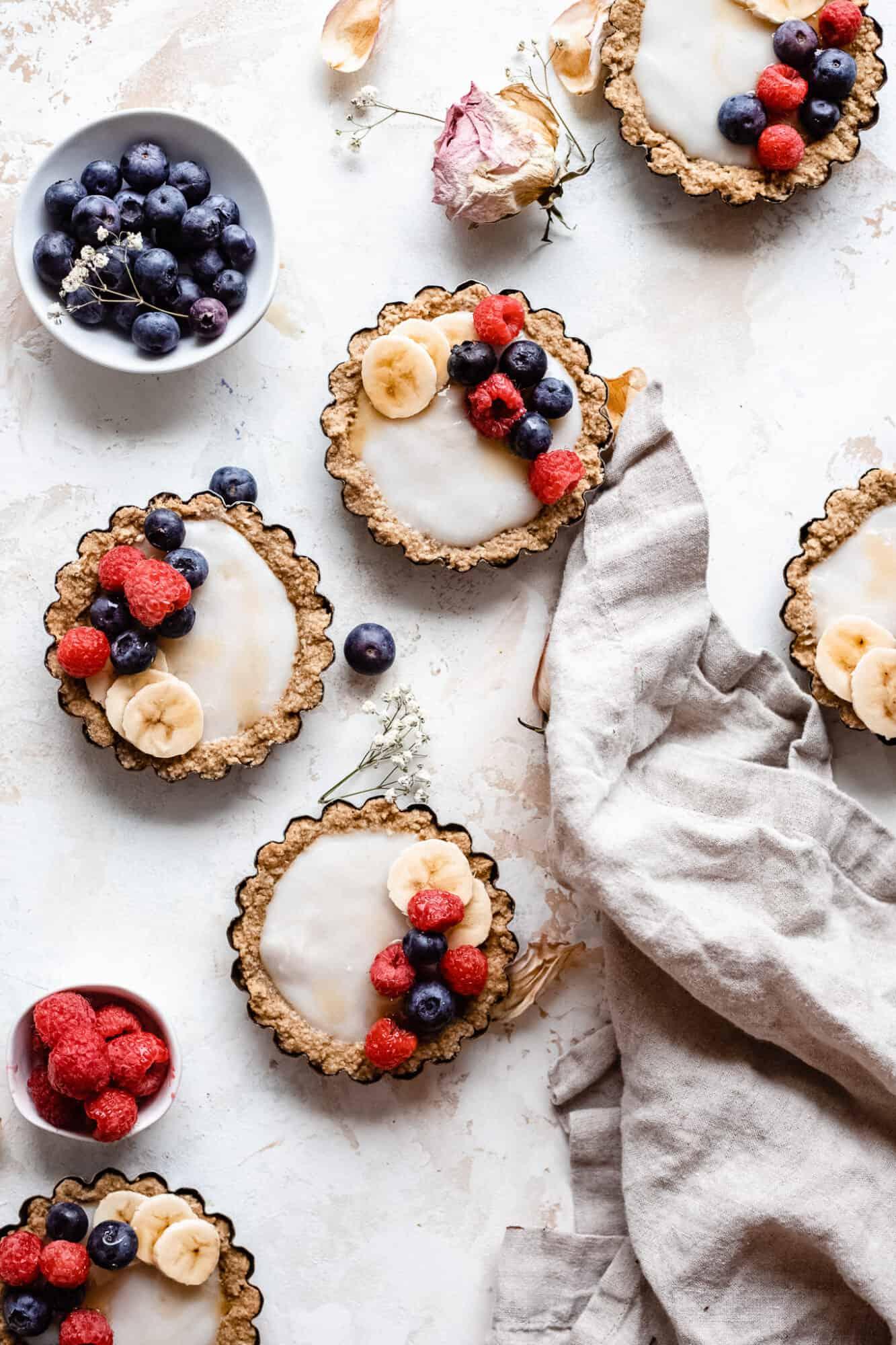 mini tarts with cloth