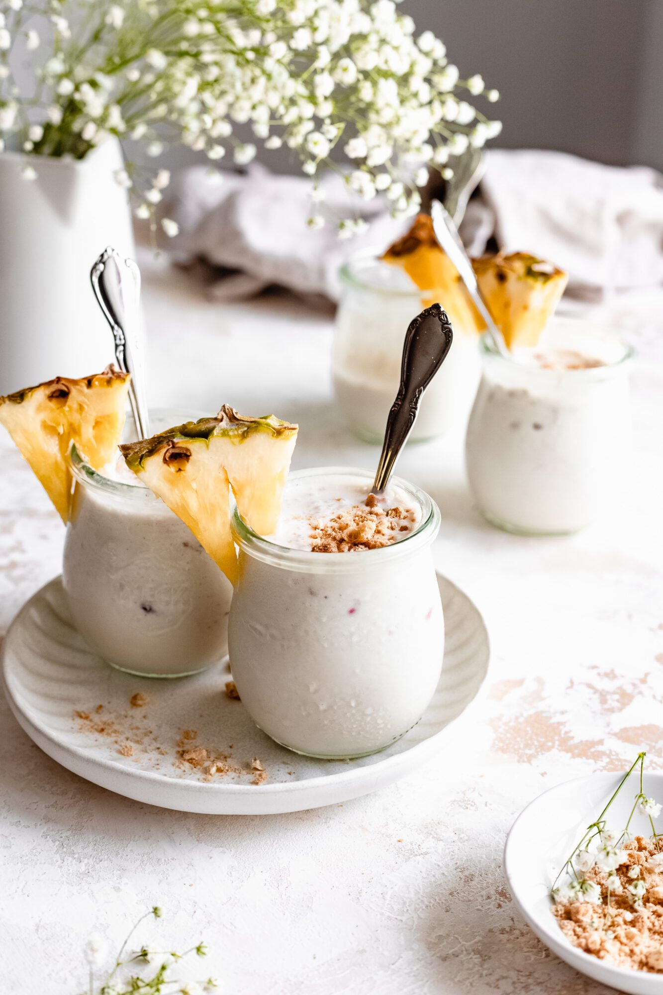 jars of vegan vanilla pudding