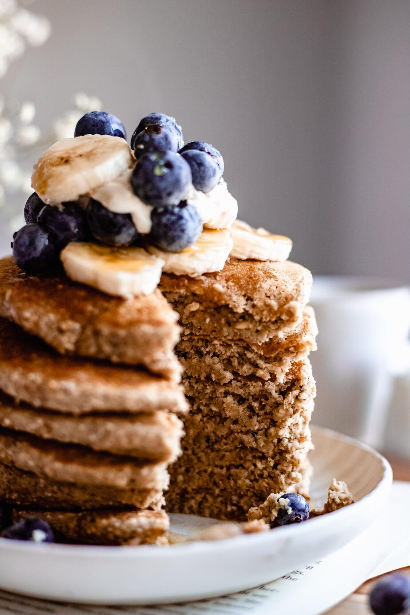 close up of sliced vegan banana pancakes