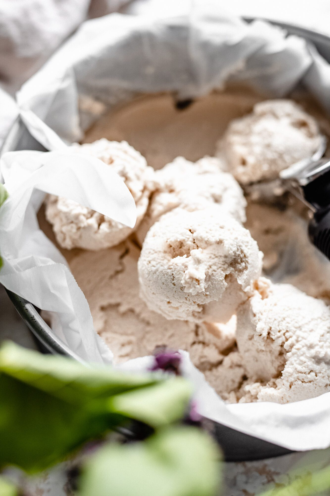 scoops of vegan cashew ice cream