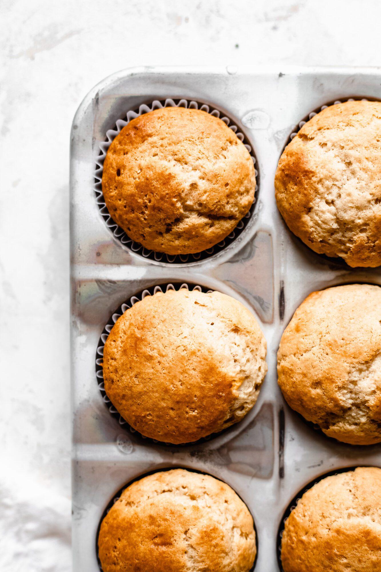 baked vegan vanilla cupcakes